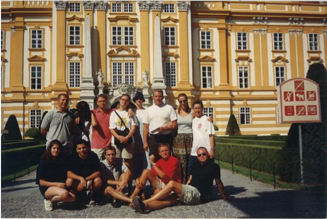 Brat-Franjo-s-mladima-iz-ZKŽ-a-u-Beču